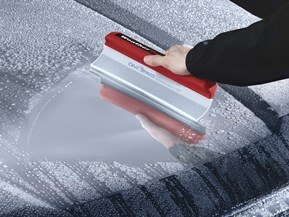Squeegee - Silicone WaterBlade squeegee for quickly drying almost any surface