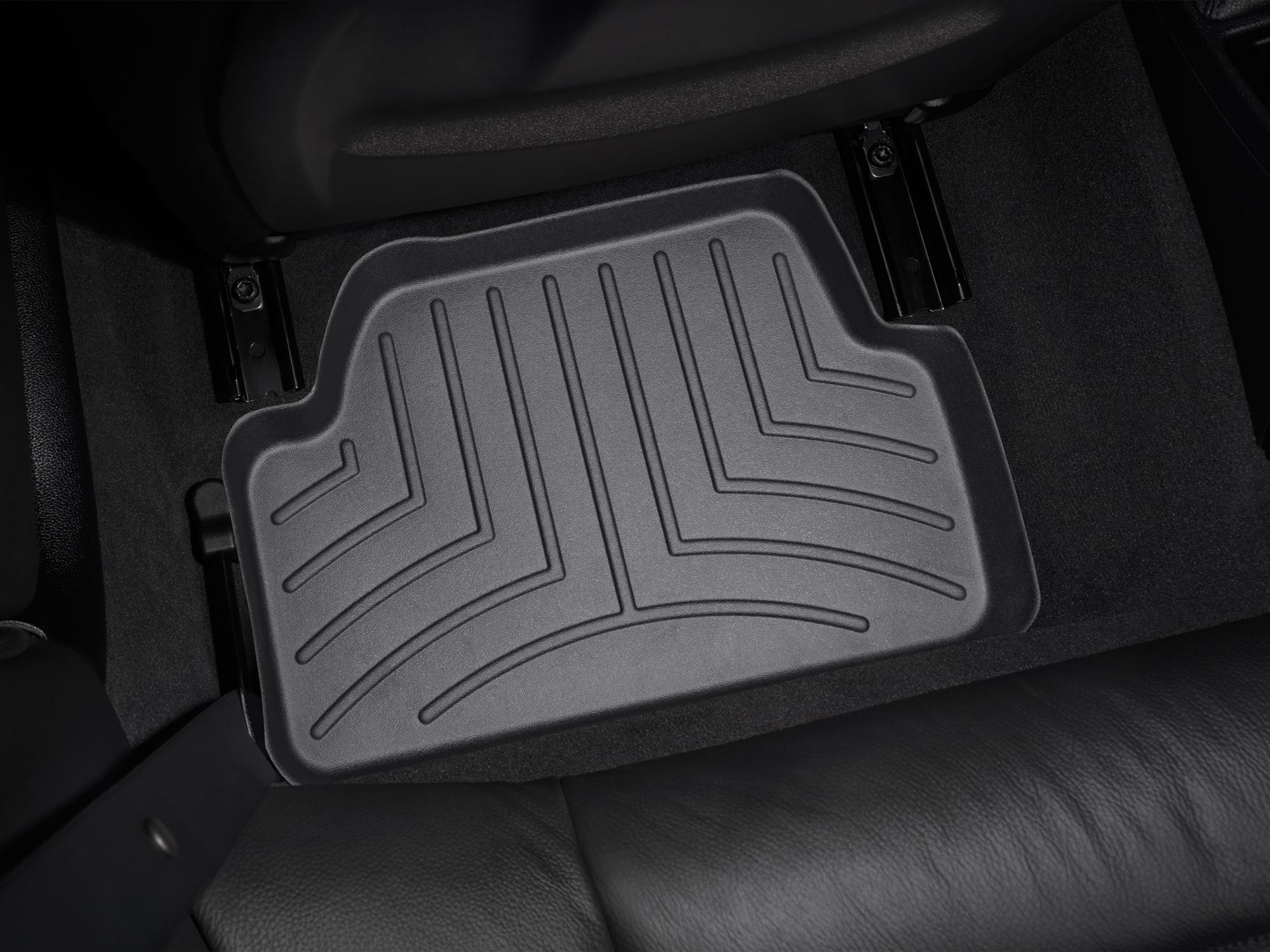 BMW Serie 1 (E81/E82/E87/E88) 07>14 Tappeti gomma su misura bordo alto nero*