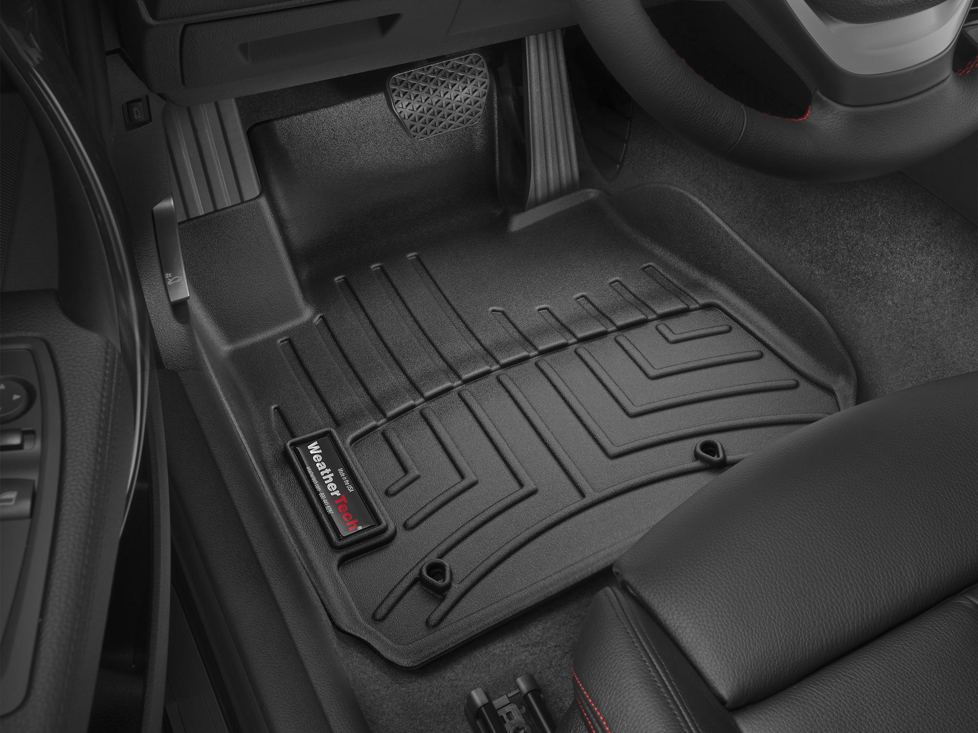 BMW M3 (F80) 15>17 Tappeti gomma su misura bordo alto nero