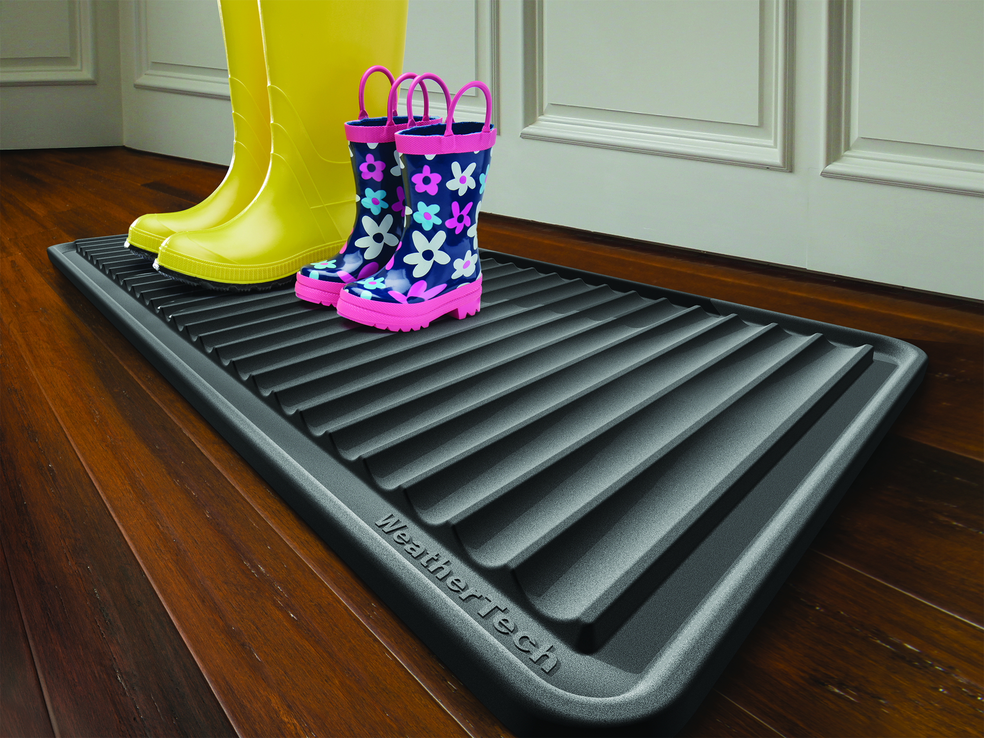 Weathertech door mats - Boottray A Mat For Dirty Boots And Shoes