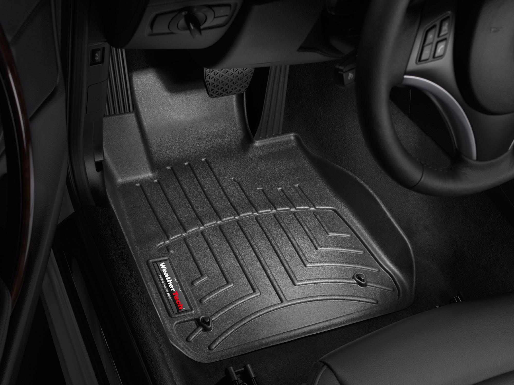 BMW Serie 1 (E81/E82/E87/E88) 07>14 Tappeti gomma su misura bordo alto nero
