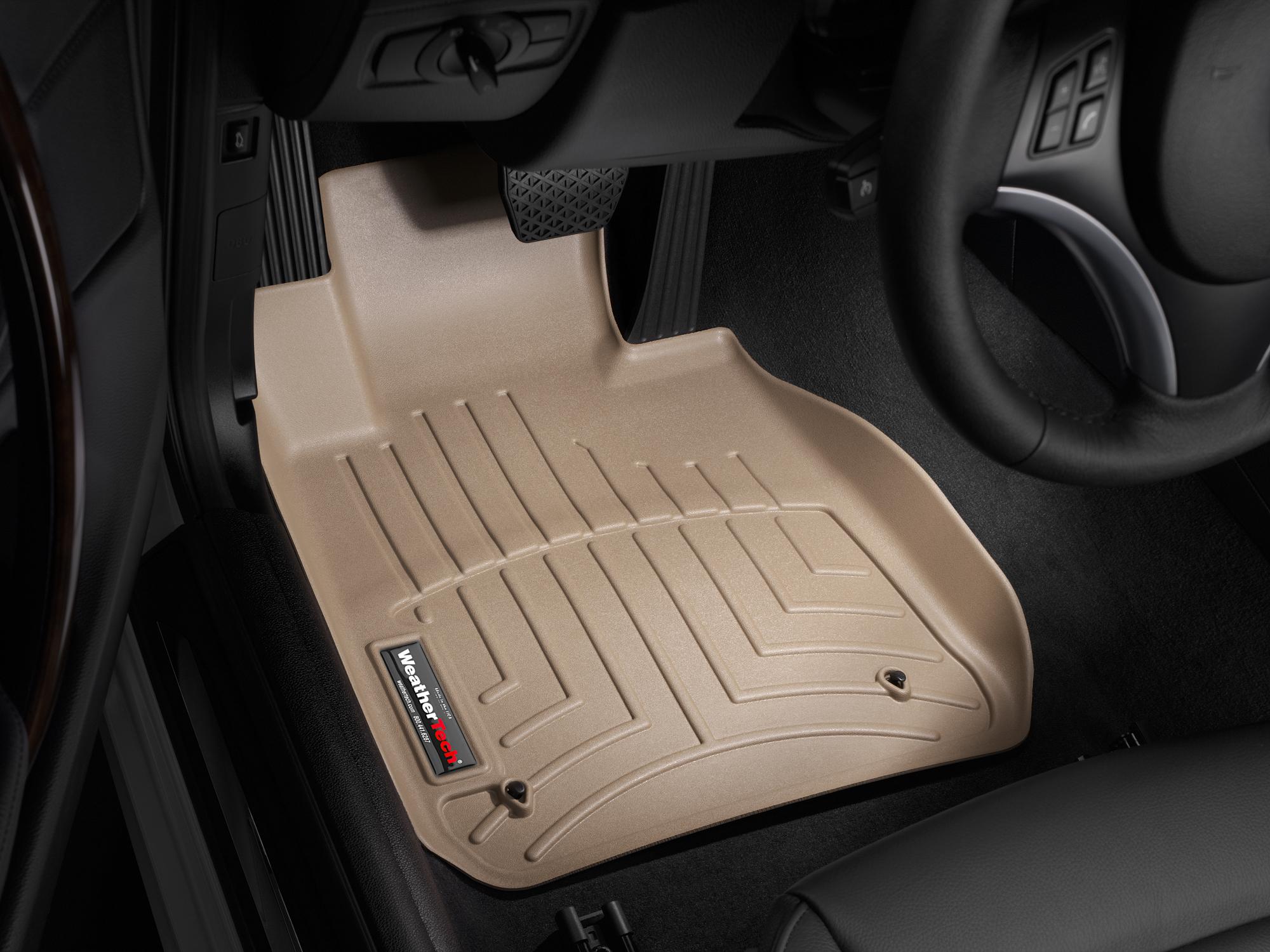 BMW Serie 1 (E81/E82/E87/E88) 07>14 Tappeti gomma su misura bordo alto marrone
