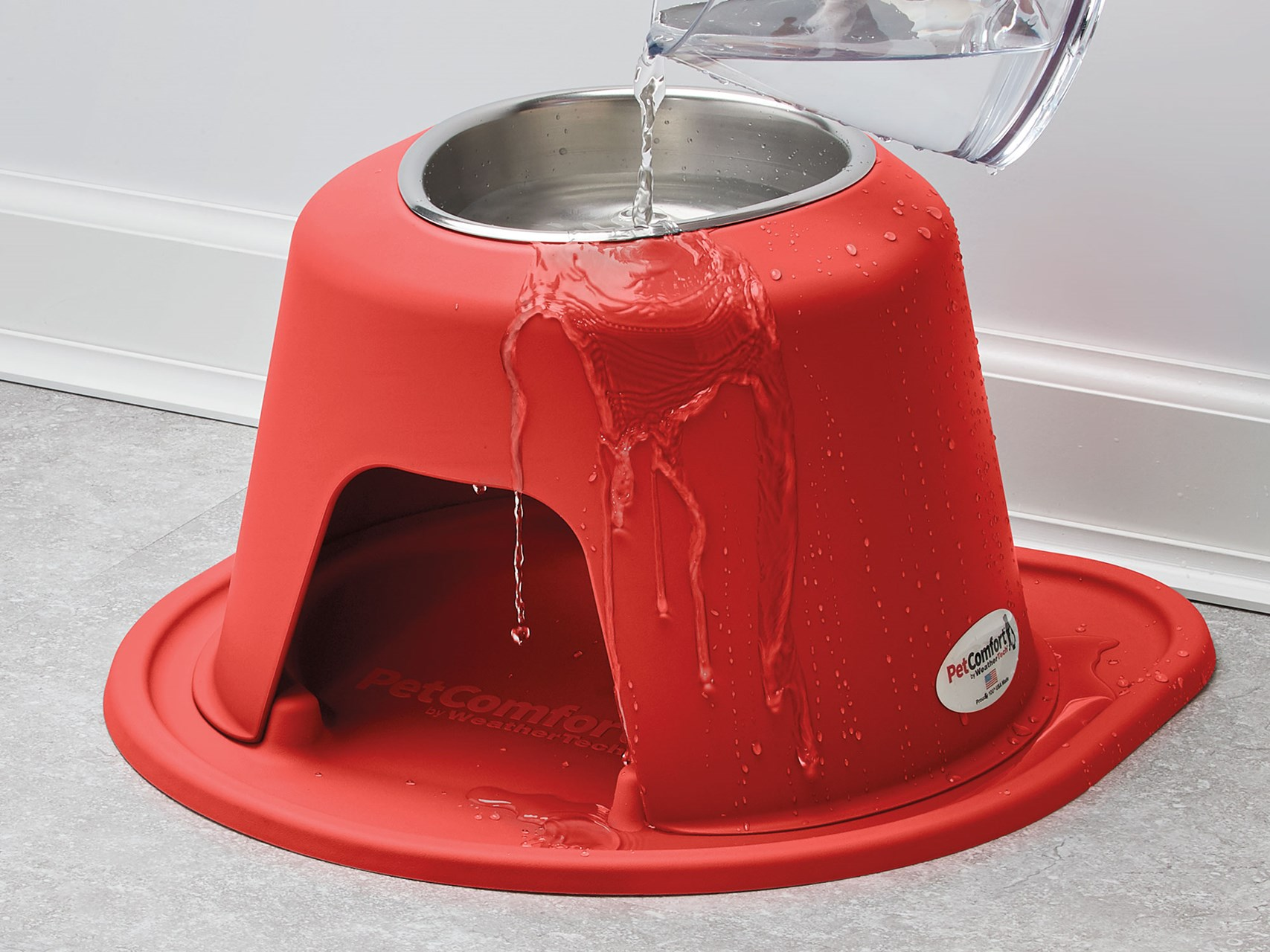 PetComfort_Single_High_Water_Running_Down_Side_HAND_red_singlehigh