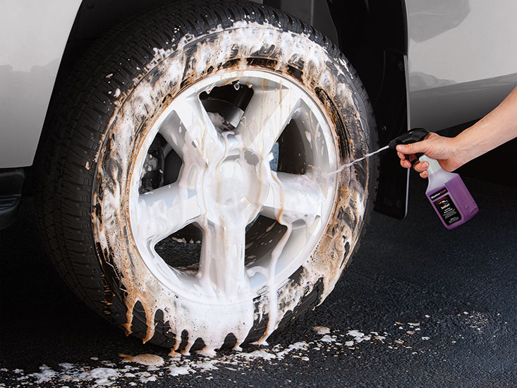 Acid-Free Wheel Cleaner dissolves road grime and loosens break dust on contact. Keeps your wheels sparkling clean, and gives them a professional quality finish.