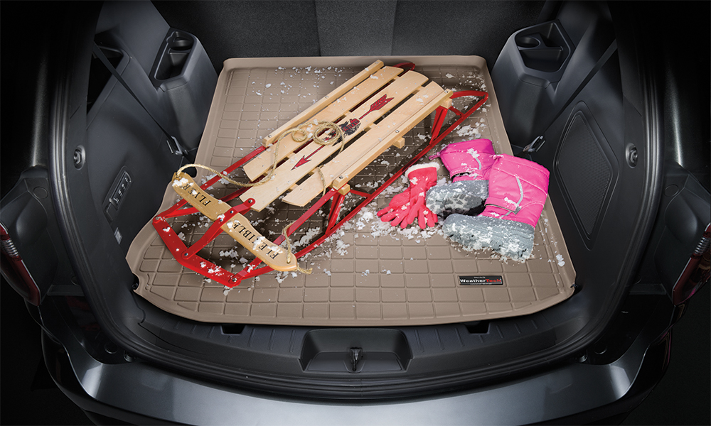 Cargo liner with sled and snow