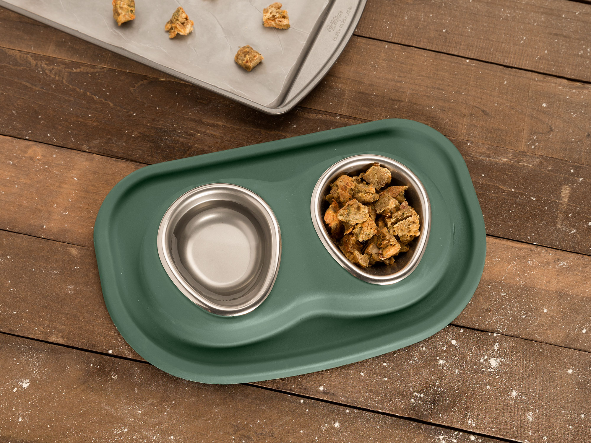 Catnip_Croutons-3_Pet_Bowls_cookie_Sheet