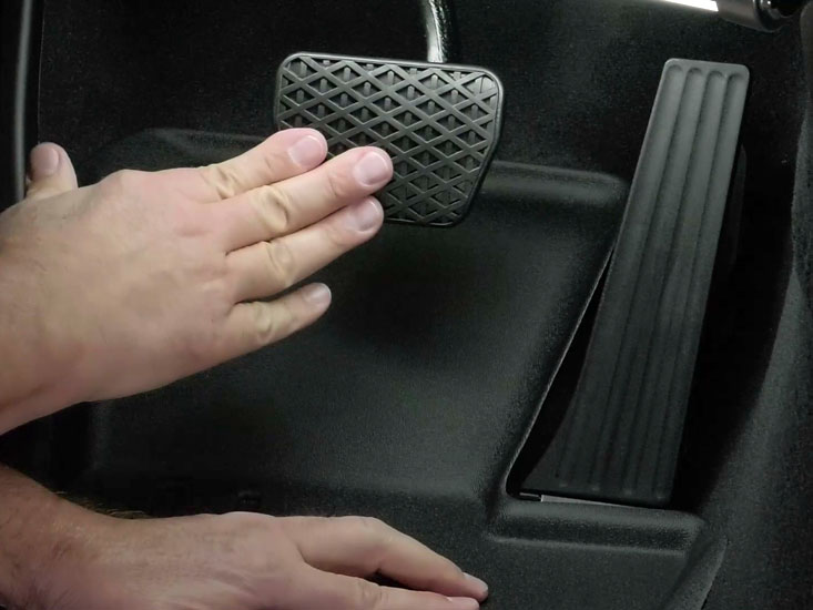 Test movement of the accelerator and brake pedals to make sure the FloorLiner is not impacting their range.