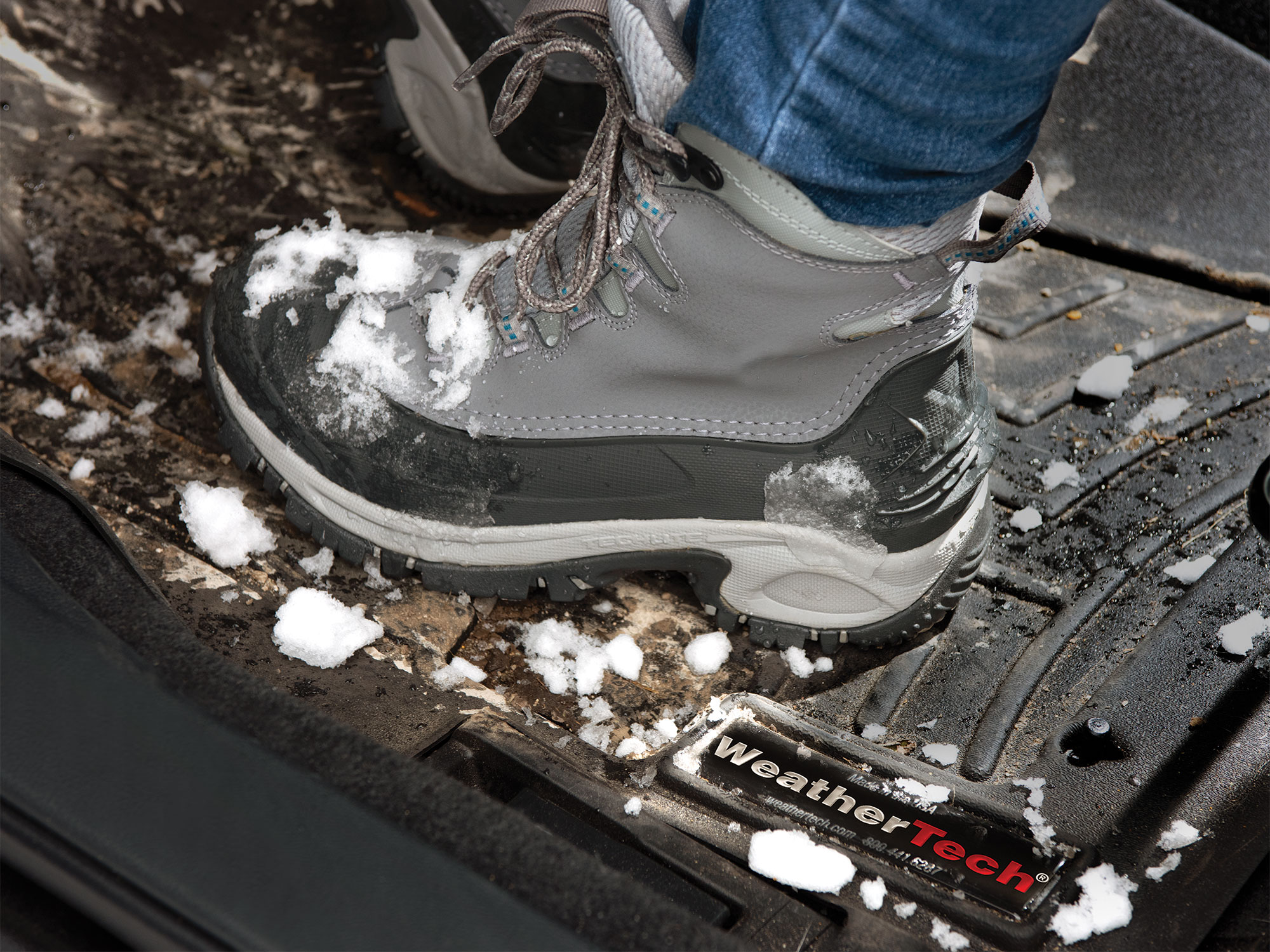 How to Clean Salt from Car Floor Mats