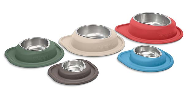 Assortment of sizes and colors of single low feeding systems.